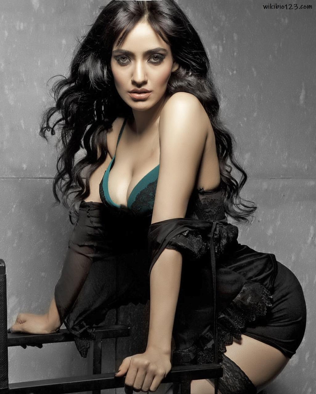 Aisha Sharma HD Images Wallpapers Download