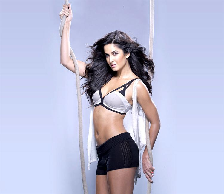 Katrina Kaif wiki Bio Age Height Hobby Achievements Friends Family HD Images Wallpapers