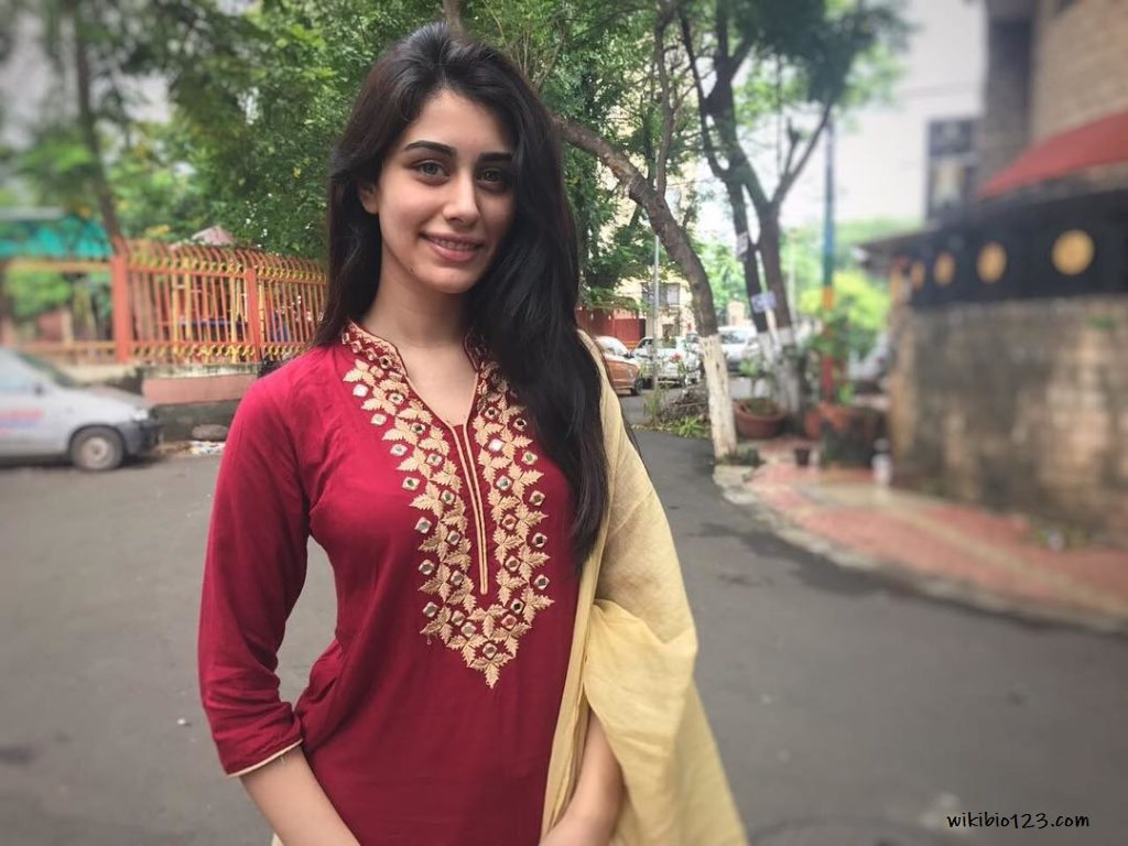 Warina Hussain Hd Images Wallpapers Download