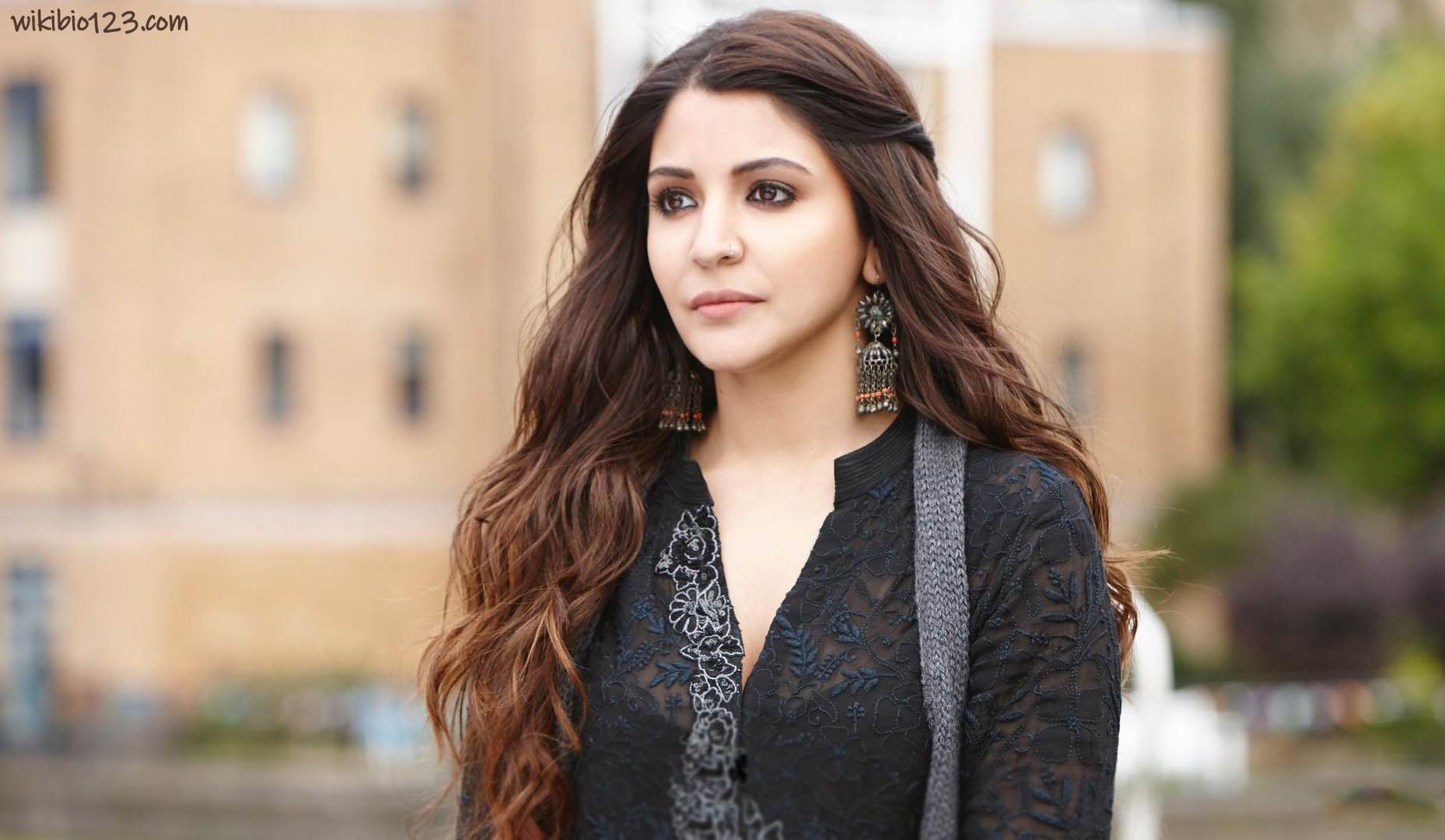 Anushka Sharma wiki Bio Age Figure size Height HD Images Wallpapers Download