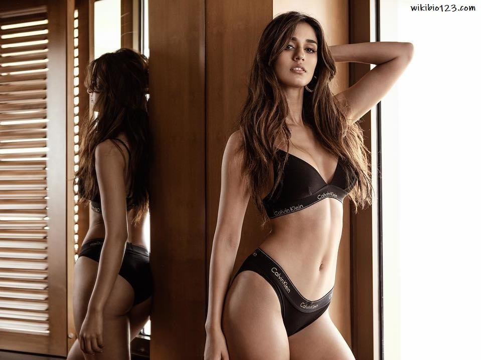 Disha Patani wiki Bio Age Figure size Height HD Images Wallpapers Download