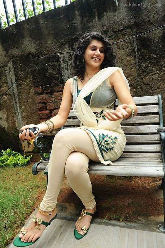 Taapsee Pannu wiki Bio Age Figure size Height HD Images Wallpapers Download