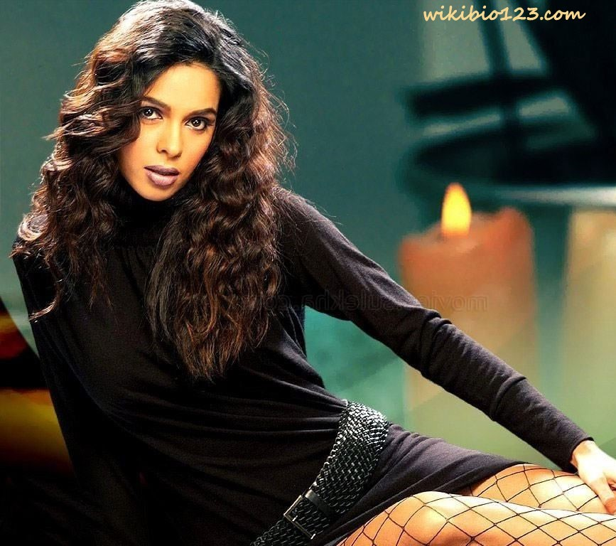 Mallika Sherawat wiki Bio Age Figure size Height HD Images Wallpapers Download