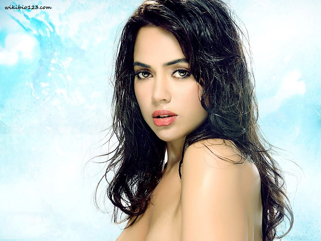 Sameera Reddy wiki Bio Age Figure size Height HD Images Wallpapers Download
