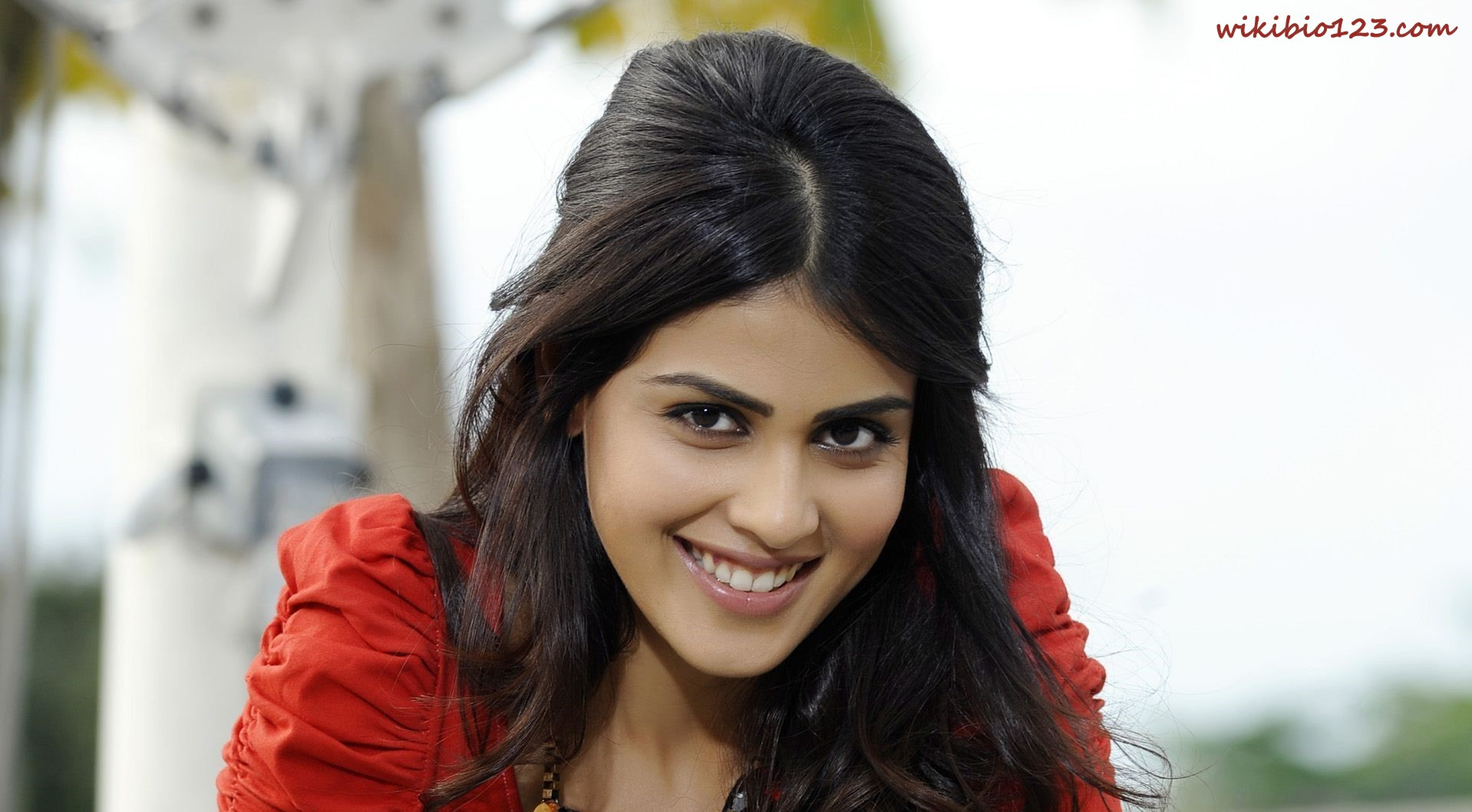 Genelia D'Souza wiki Bio Age Figure size Height HD Images Wallpapers Download