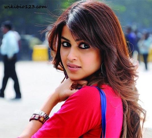 Genelia D'Souza HD Images Wallpapers Download