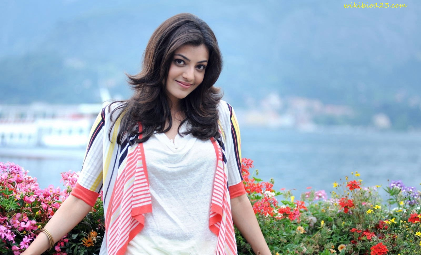 Kajal Aggarwal wiki Bio Age Figure size Height HD Images Wallpapers Download