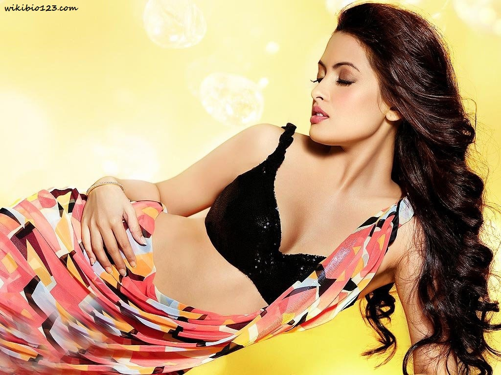 Riya Sen wiki Bio Age Figure size Height HD Images Wallpapers Download