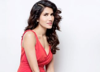 Sonnalli Seygall wiki Bio Age Height Hobby Friends Family HD Images Wallpapers