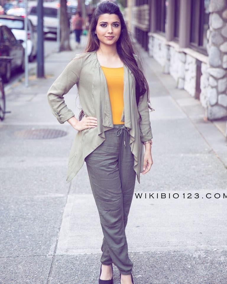 Nimrat Khaira wiki Bio Age Figure Size Height Affairs HD Images Wallpapers