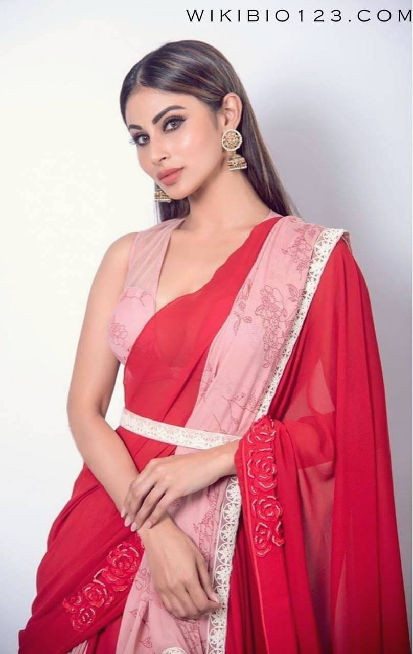 Mouni Roy HD Images Wallpapers Photos