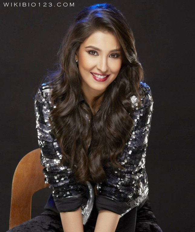 Navneet Kaur Dhillon HD Images Wallpapers Photos